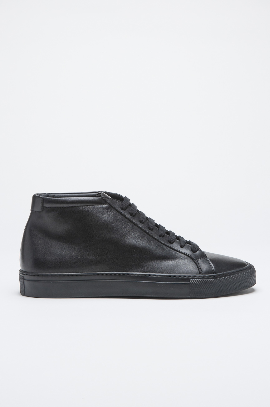 Classic Mid Top Sneakers In Black Calf-Skin Leather