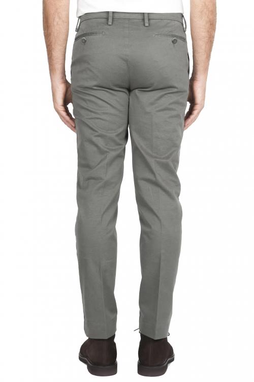 SBU 02923_2020AW Pantaloni chino classici in cotone stretch verde 01