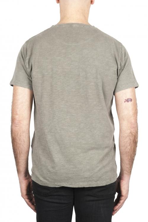 SBU 03070_2020AW Camiseta de algodón con cuello redondo en color verde oliva 01