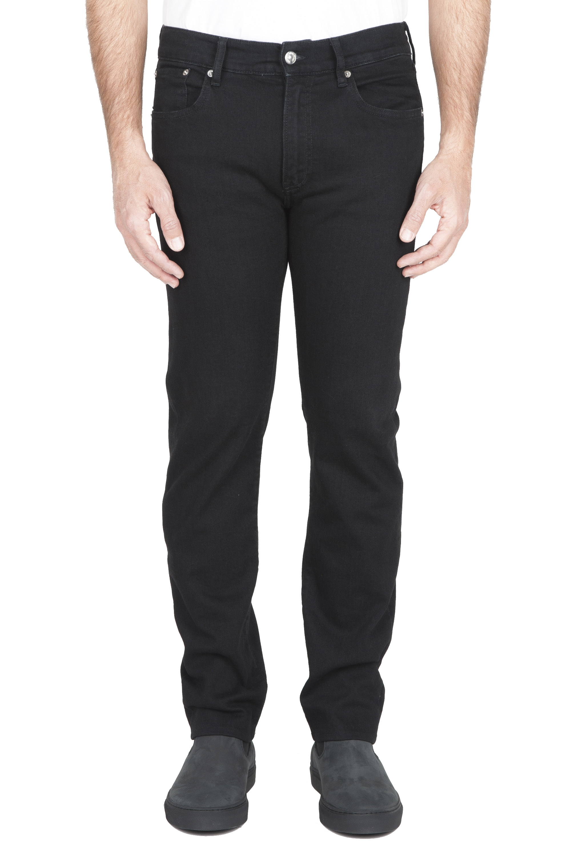 SBU 03117_2020AW Natural ink dyed black stretch cotton jeans 01