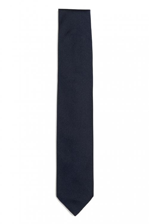 SBU 03136_2020AW Classic skinny pointed tie in black silk 01