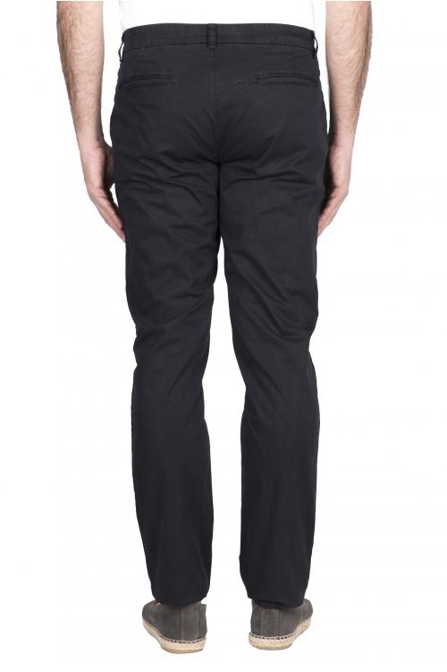 SBU 03249_2021SS Pantalón chino clásico en algodón elástico azul 01