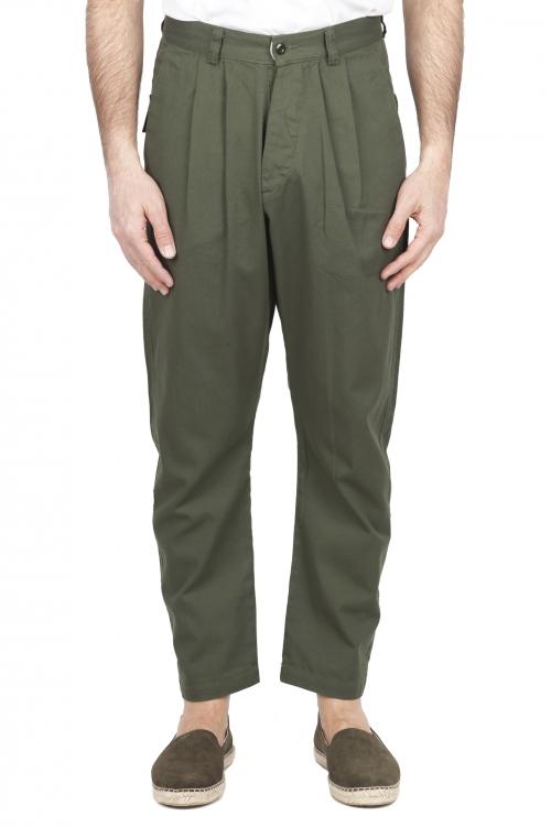SBU 03270_2021SS Pantalón japonés de dos pinzas en algodón verde 01