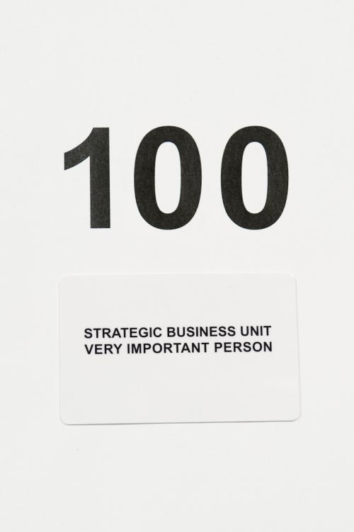 ギフトカードStrategic Business Unit 100