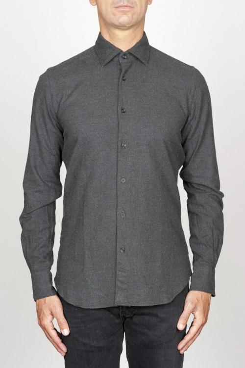 Clásica camisa gris de franela de algodón con cuello de punta