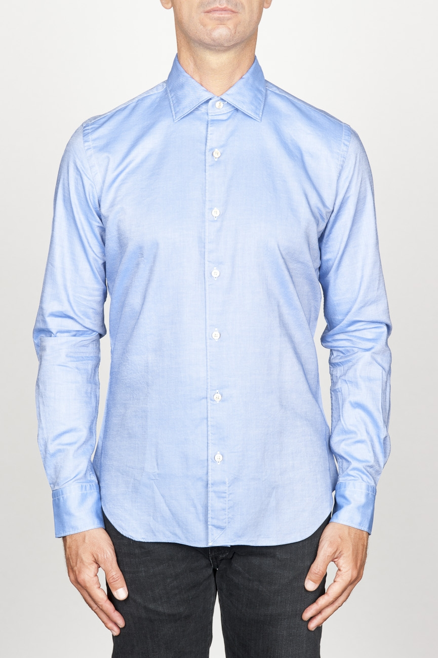 SBU 00939 Chemise classique oxford bleu en coton avec col pointu 01