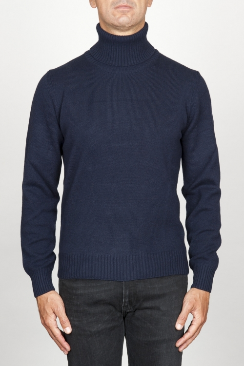 Classic turtleneck sweater in blue cashmere