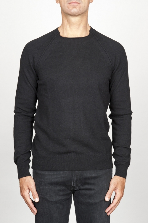 SBU 00960 Round neck sweater in black merino wool raw cut neckline 01