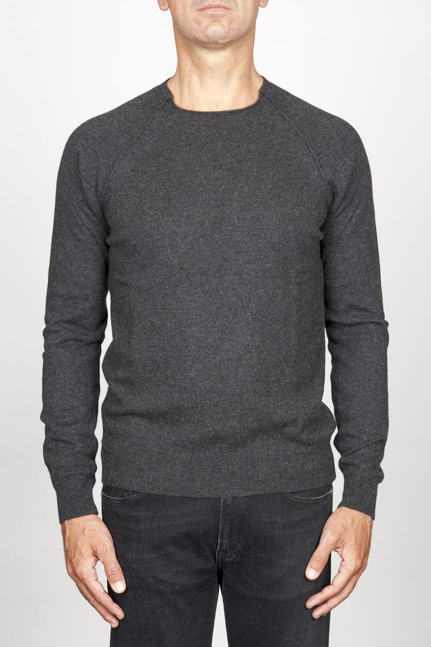 SBU 00961 Pull à col rond irrégulière classique en laine mérinos gris 01