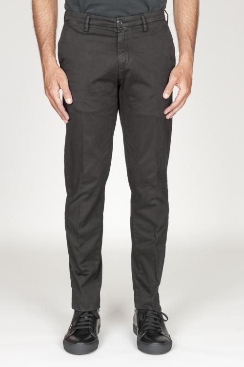 Clásico pantalón chino en algodón elástico negro