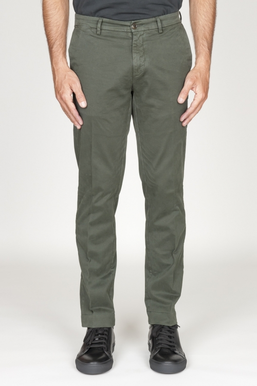 Classic chino pants in green stretch cotton