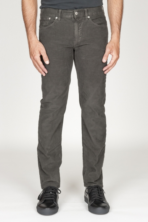 Jeans en velours élastique brun foncé