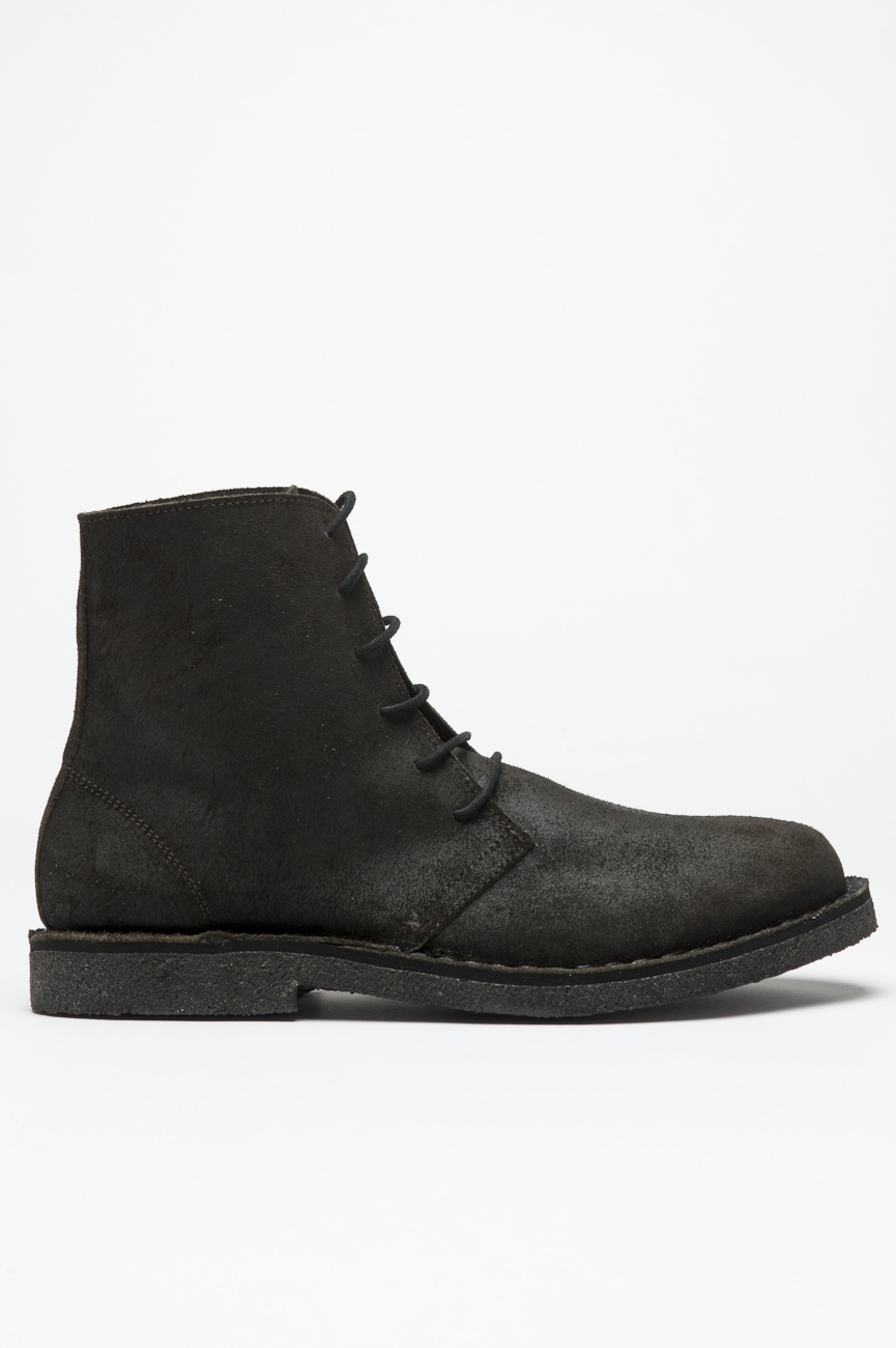 SBU 00991 Classic high top desert boots in black oiled leather 01