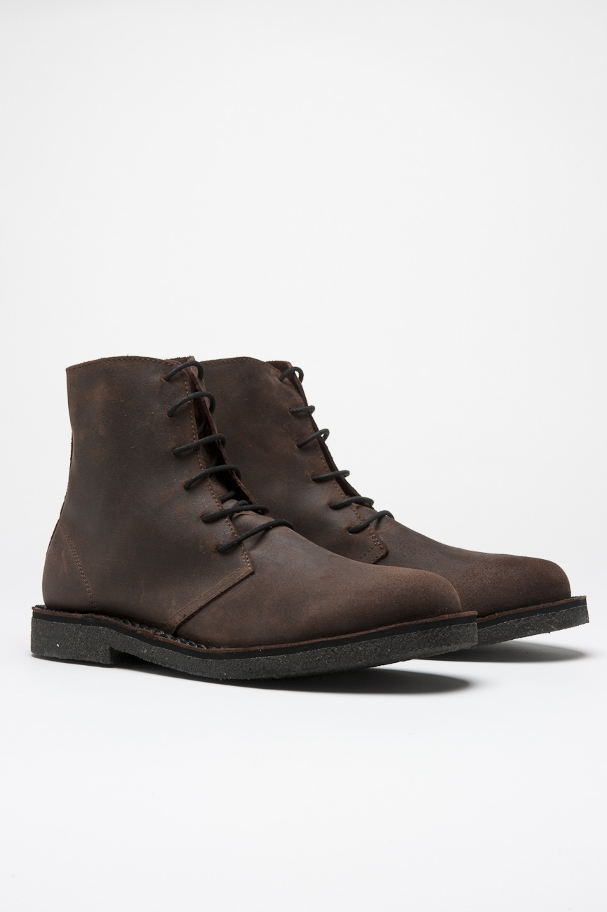 Classic high top desert boots in beige oiled leather