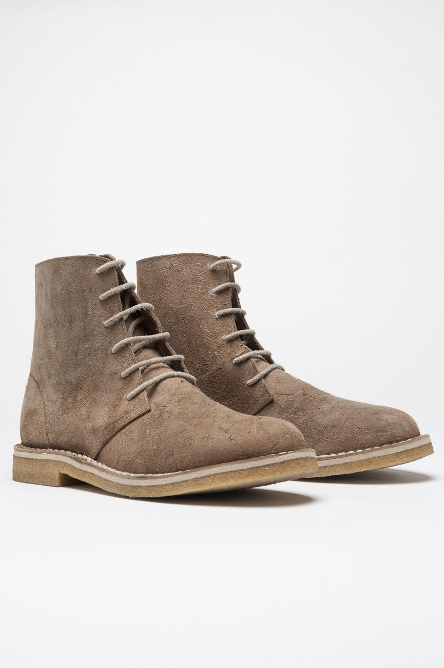 desert boots beige
