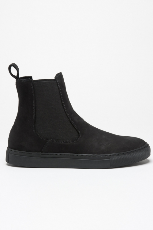 Classic elastic sided boots in black nabuck leather