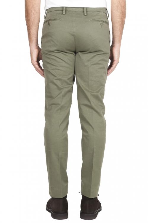SBU 01538 Pantalones chinos clásicos en algodón elástico verde 01
