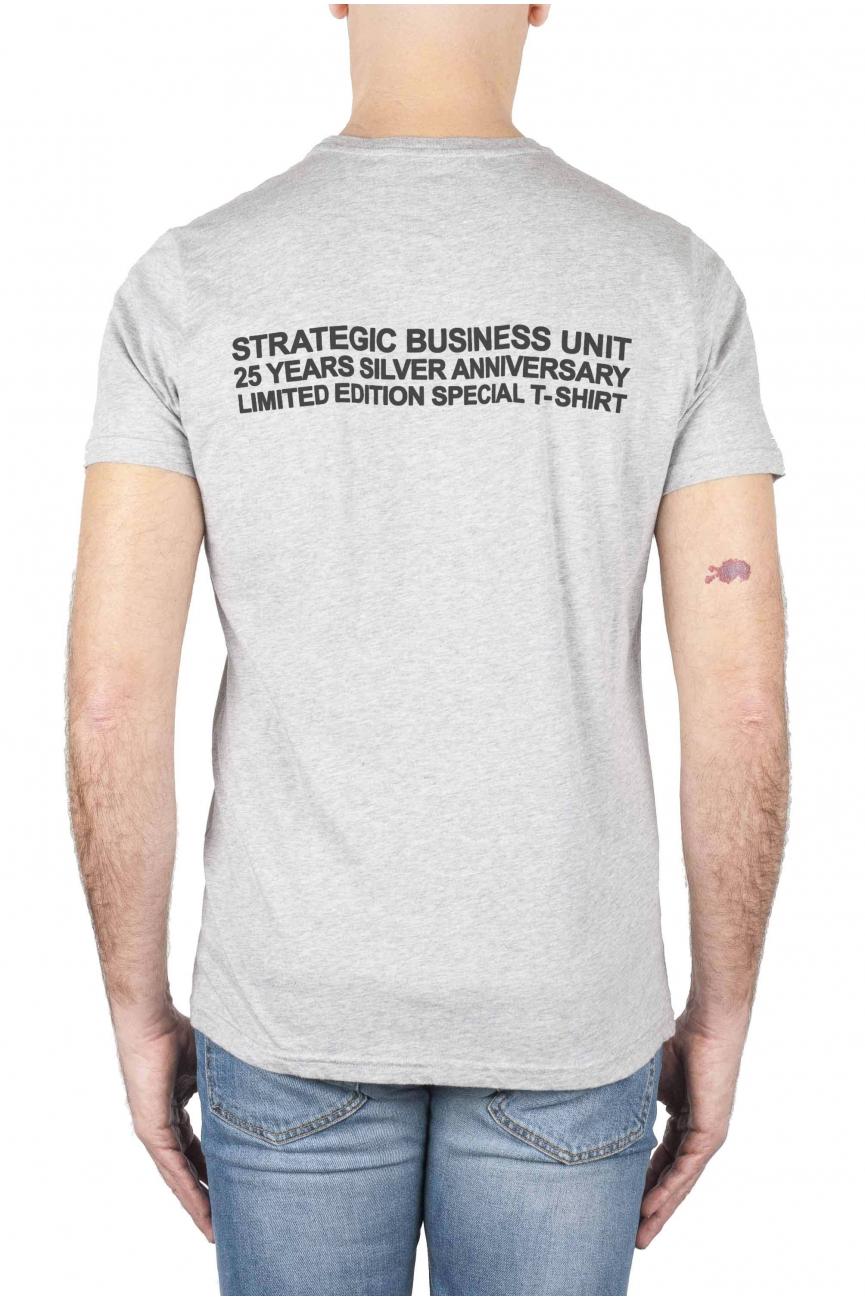 SBU 01789 Camiseta gris con cuello redondo estampado aniversario 25 años 04