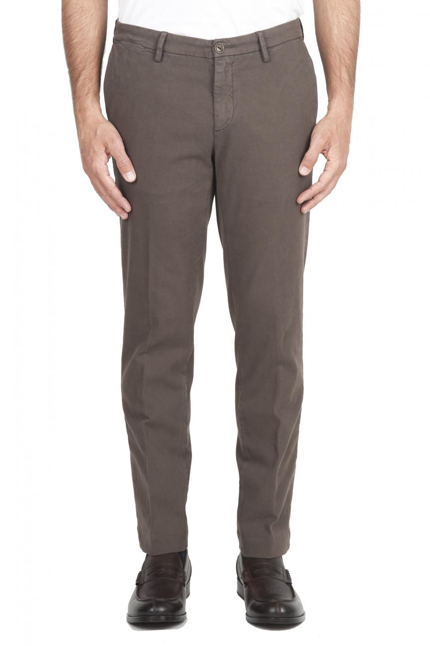 SBU 01539_19AW Pantalones chinos clásicos en algodón elástico marrón 01