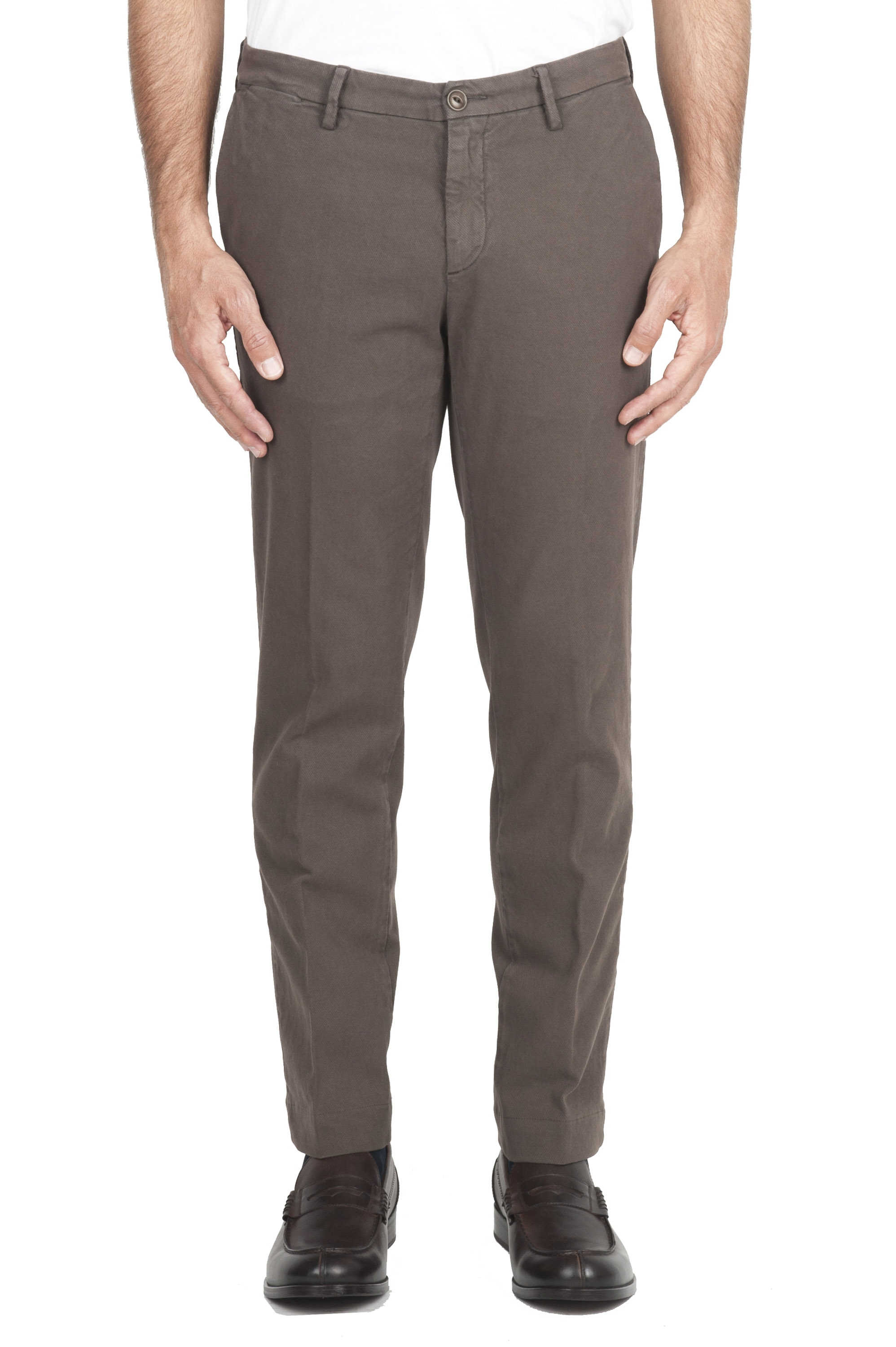 SBU 01539_19AW Pantalon chino classique en coton stretch marron 01