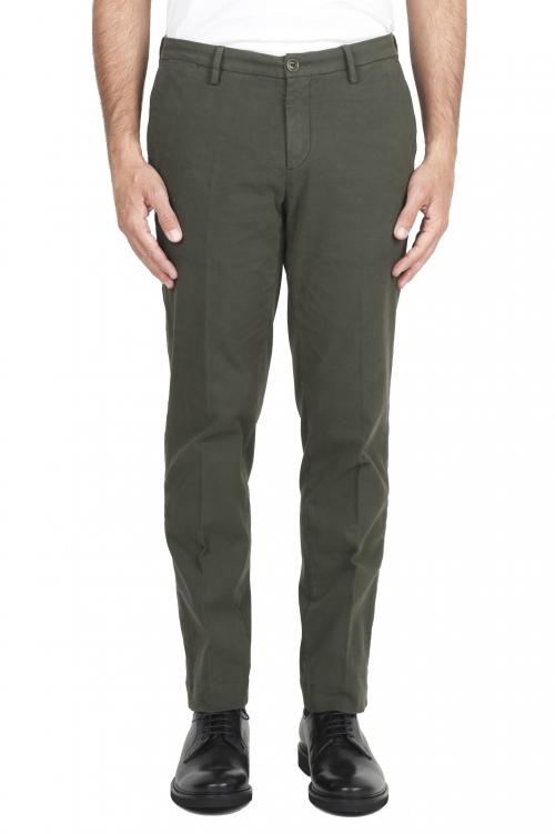 SBU 01542_19AW Pantalones chinos clásicos en algodón elástico verde 01