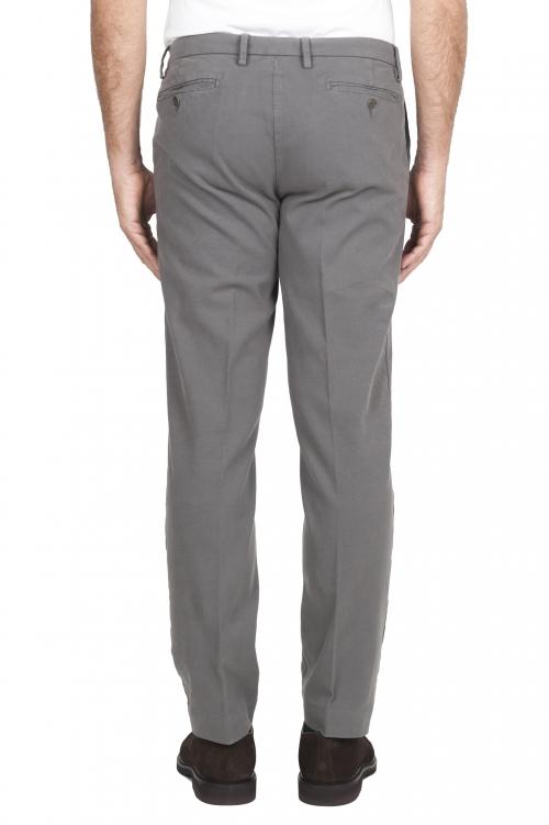 SBU 01543_19AW Pantalones chinos clásicos en algodón elástico gris claro 01
