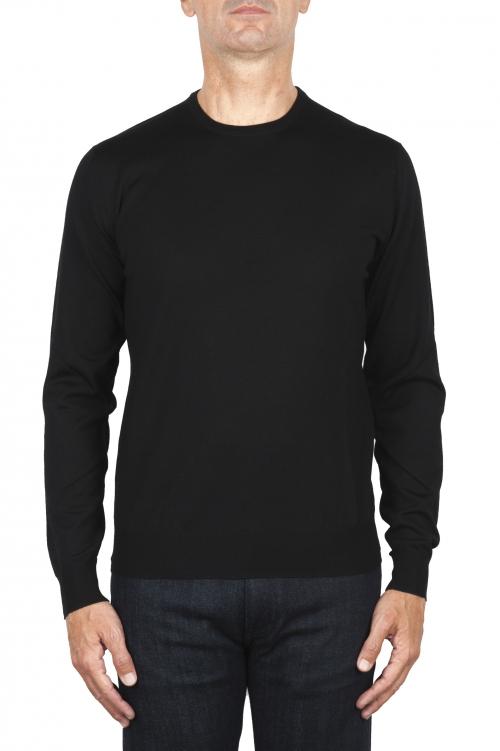 SBU 01875_19AW メリノウールの極細の黒のクルーネックセーター 01