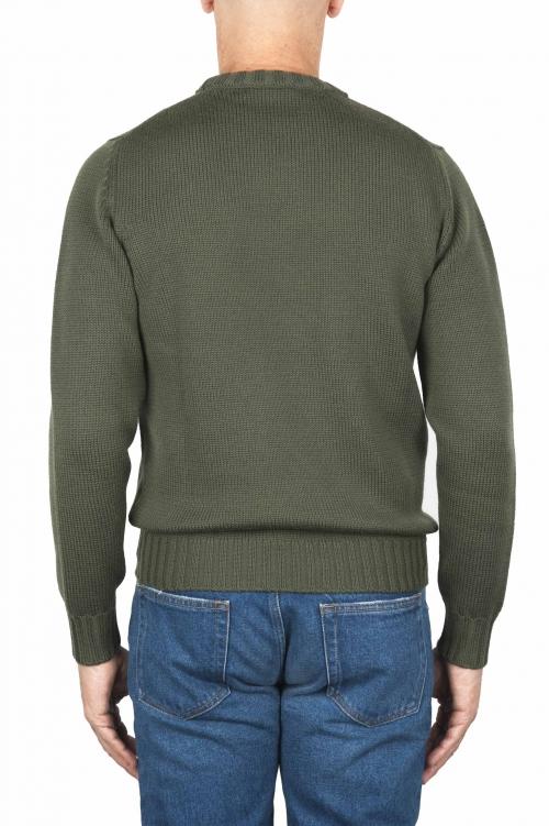 SBU 01879_19AW Jersey verde con cuello redondo en lana merino extra fino 01