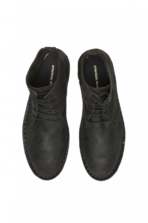 SBU 01508_19AW Classic high top desert boots in black oiled calfskin leather 01