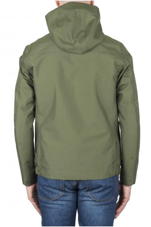 SBU 01558_19AW Chaqueta cortavientos técnica impermeable con capucha verde 01