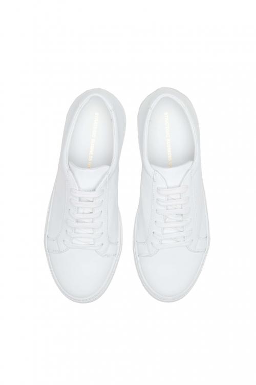 SBU 01526_19AW Baskets à lacets classiques en cuir de veau blanc 01