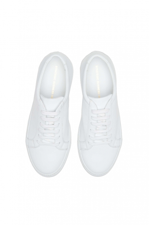 SBU 01526_19AW Classic lace up sneakers in white calfskin leather 01