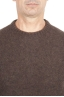 SBU 01469_19AW Pull à col rond marron en laine mérinos bouclée extra fine 04