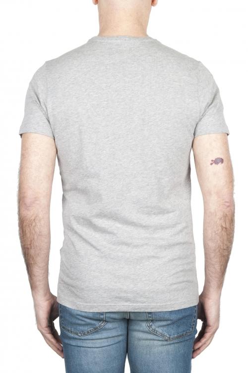 SBU 01798_19AW Camiseta gris mélange de cuello redondo estampado a mano 01