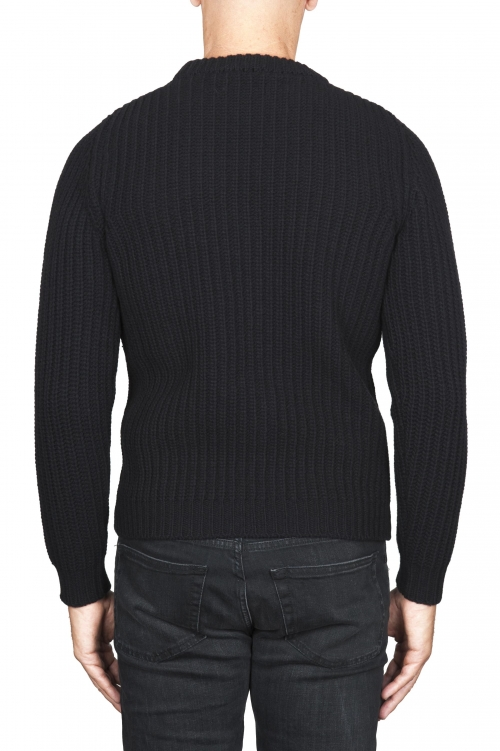 SBU 01596_19AW Classic crew neck sweater in black pure wool fisherman rib 01