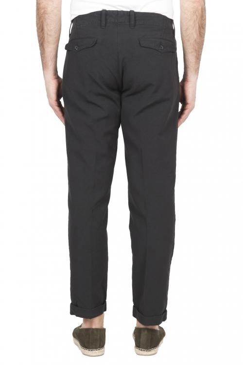 Pantaloni con pinces
