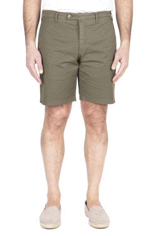SBU 01960_2020SS Ultra-light chino short pants in green stretch cotton 01