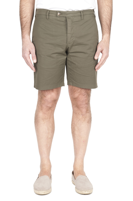 SBU 01960_2020SS Pantalón corto chino ultraligero en algodón elástico verde 01
