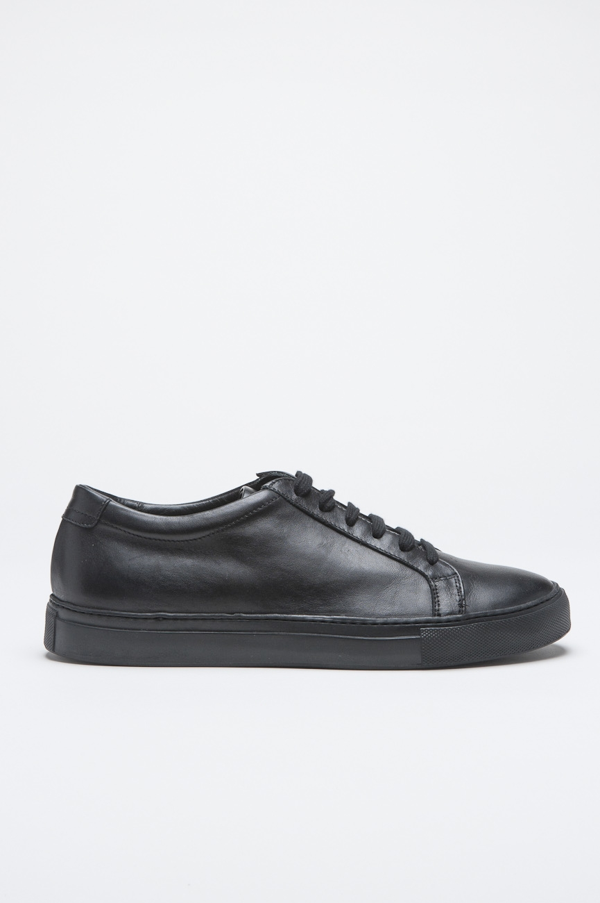 Classic Sneakers In Black Calf-Skin Leather